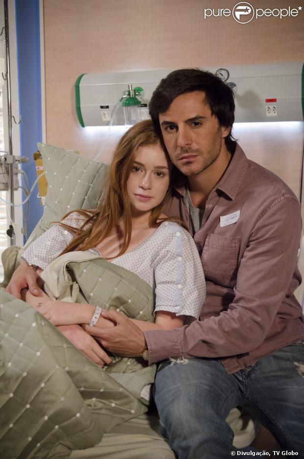 Nicole (Marina Ruy Barbosa) aparece para Thales (Ricardo Tozzi) depois de morta, vestida de noiva, em Amor à Vida', em 12 de agosto de 2013