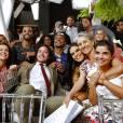 Cássia foi aplaudida por todos os colegas de cena e fez questão de abraçar todo o elenco antes de entrar em cena para gravar seus últimos momentos na novela