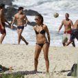 Fernanda de Freitas, aos 33 anos, exibiu o corpão em um dia de sol neste sábado, na Praianha, Zona Oeste do Rio, em 3 de agosto de 2013