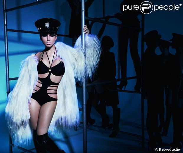 Anitta faz ensaio para revista 'Vogue' e diz que no início da carreira era tudo mais difícil