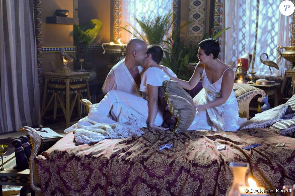 Ramsés (Sérgio Marone) sofrerá com morte do filho Amenhotep (José Victor Pires) com a chegada da décima praga