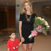 Luana Piovani fura fila cheia de famosos em lançamento de livro de Irene Ravache