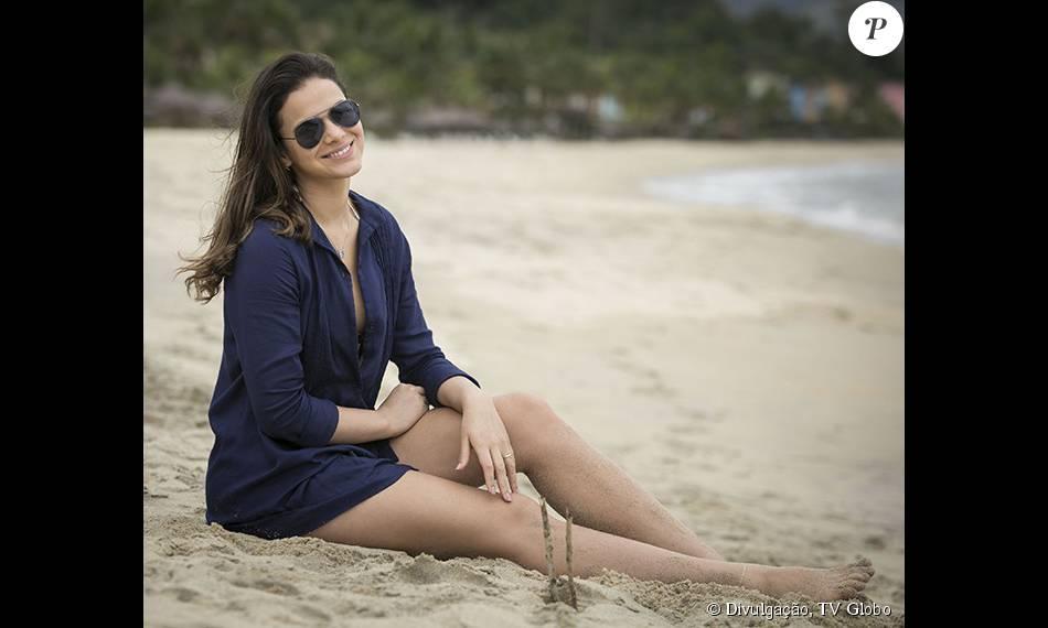 Bruna Marquezine garantiu não ter problema para tirar a roupa quando em cena: 'Não me importo em me despir por uma personagem