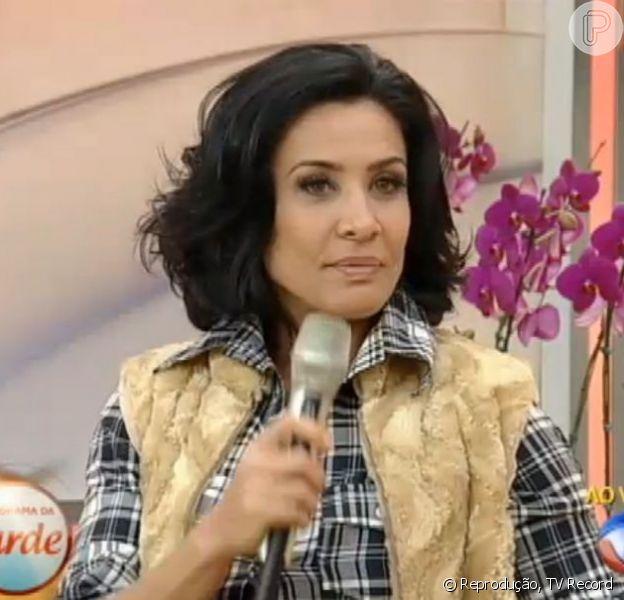Scheila Carvalho não escapou das perguntas sobre a traição de Tony Salles no 'Programa da Tarde', nesta quarta-feira, 14 de agosto de 2013