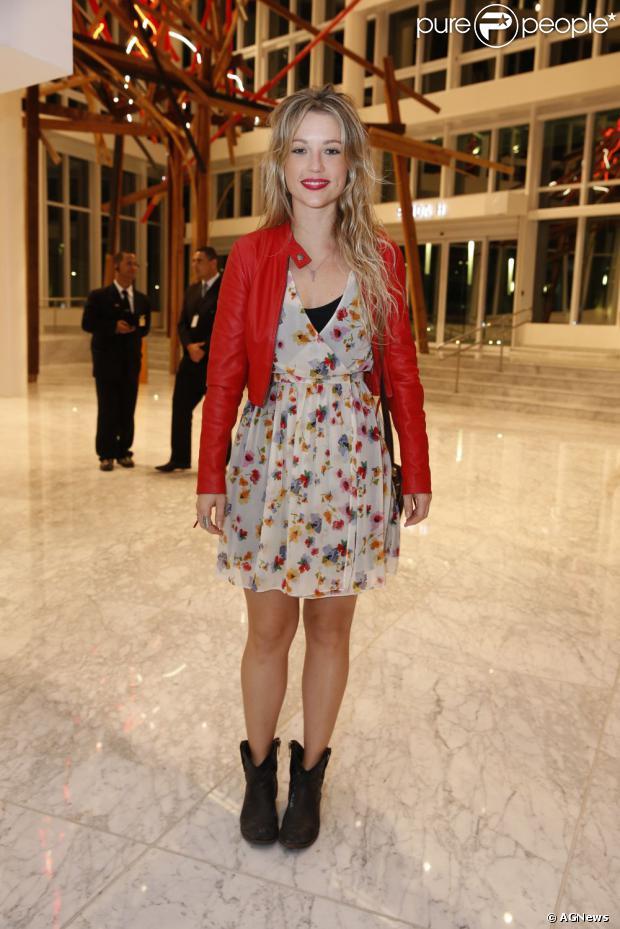 Juliana Didone está gravando cenas da novela 'Pecado Mortal', que vai estrear em setembro de 2013
