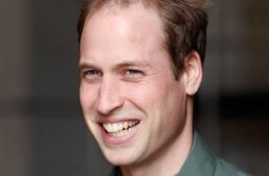 Príncipe William conta que bebê real não gosta de dormir   Se contorce  muito  e8d36da444