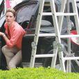 Giovanna Ewbank sai do carro
