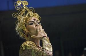 Prestes a dar à luz, Ana Hickmann será mantida no Carnaval 2014 da Vai Vai