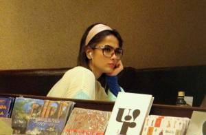 Maria Casadevall, no ar em 'Amor à Vida', curte dia de folga em livraria