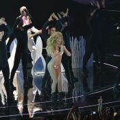 'VMA 2013': Lady Gaga sensualiza de fio-dental e Justin Timbelake é homenageado