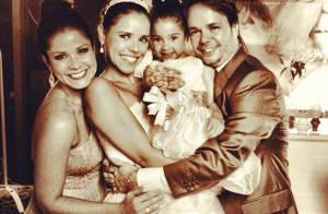 Grávida, Samara Felippo posta foto com a filha Alícia no casamento de seu irmão