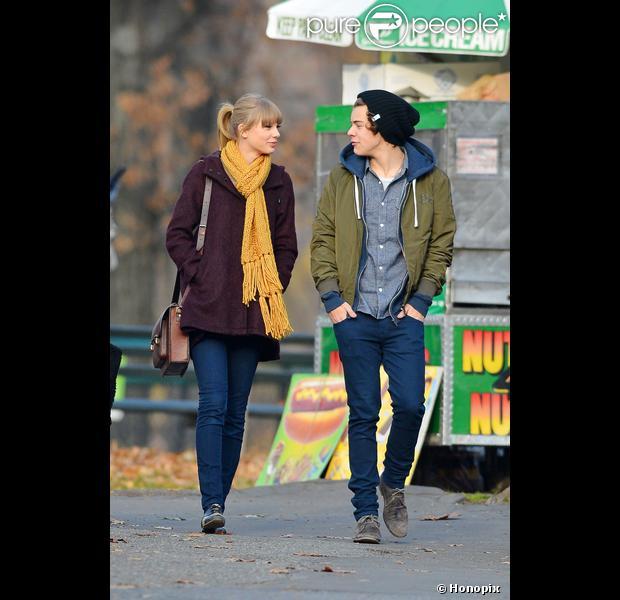 Taylor Swift quer gastar R$ 150 mil em presentes para o namorado, Harry Styles, em dezembro de 2012