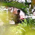 Swizz Beatz, marido de Alicia Keys, curtiu a piscina do hotel em que está hospedado no Rio