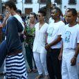 Alicia Keys levou o filho, Egypt, para assistir uma apreentação de capoeira neste sábado, em 14 de setembro de 2013