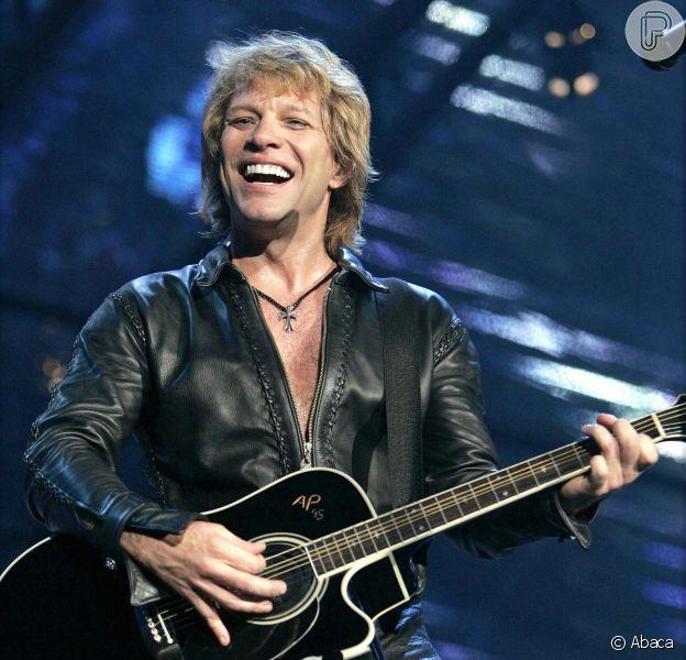 Jon Bon Jovi e sua banda, o Bon Jovi, desembarcam no Brasil para duas apresentações. Uma no Rock in Rio na noite desta sexta-feira, 20 de setembro de 2013, e outra em São Paulo, no próximo dia 22. Esta é a terceira vez que o grupo vem ao país