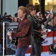 O Bon Jovi remarcou quatro dos cinco shows, na América Latina, por conta de uma cirurgia de emergência a que o baterista Tico Torres foi submetido enquanto estava no México
