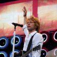 O Bon Jovi não fez exigências extravagantes para os camarins nacionais. O grupo pediu vinhos tintos italianos, iogurte com granola, amêndoas sem sal, pretzels, água Evian, Gatorade de limão, leite desnatado, salada e cafés fortes servidos em horas marcadas