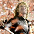 Em entrevista ao jornal 'O Globo', Bon Jovi listou os principais arrependimentos nos 30 anos de estrada: 'A capa de 'Slippery When Wet' (1986) é um lixo. E temos umas 20 músicas que são terríveis. Mas faz parte da carreira de um artista. Não dá para acertar sempre. Às vezes algumas músicas vão muito abaixo da expectativa, outras vão muito além. Achei que 'Welcome to wherever you are' e 'Have a nice day' seriam hits e não foram, por exemplo. Por outro lado, eu gostaria que 'Livin' on a prayer' e 'Wanted dead or alive' fossem citadas no meu obituário, porque são muito importantes para mim e para a minha carreira'