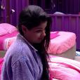 Munik foi até o quarto roxo e disse que Adélia queria sair do programa e que se ficasse na casa 'quebraria a cara' de Ana Paula