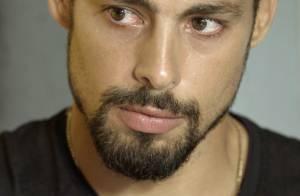 'A Regra do Jogo': Juliano visita Tóia na cadeia e conta que Romero está vivo