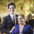 Pilar (Susana Vieira) vence o divórcio litigioso no tribunal e faz de Félix (Mateus Solano) o presidente do hospital, conforme prometido, em 'Amor à Vida'