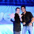 Victor e Léo se reuniram com o elenco da Globo para celebrar a nova grande de programação de 2013