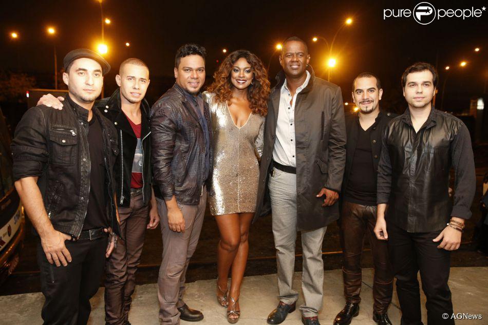 Cris Vianna grava clipe com o grupo Sorriso Maroto