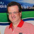 Mauro Bayout com um troféu da Federação de Golfe do Estado do Rio de Janeiro
