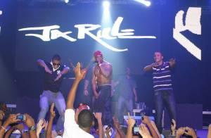 Rapper americano Ja Rule faz show no Rio e recebe famosos como Kayky Brito