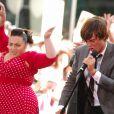Zac Efron e Nikki Blonsky: os atores trabalharam cantando e atuando no filme 'Hairspray'
