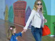 Angélica vai ao cinema com a filha caçula, Eva, em shopping do Rio de Janeiro