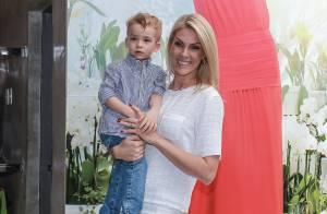 Filho de Ana Hickmann, Alexandre Jr., rouba a cena em evento de moda. Fotos!