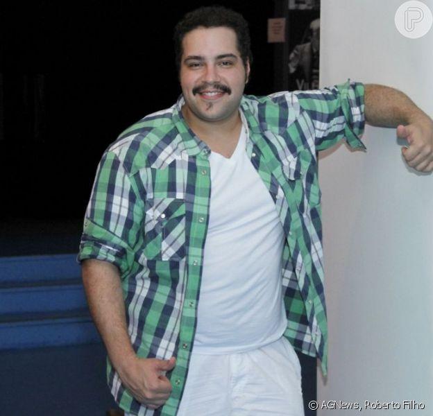 Tiago Abravanel comemora 26 anos nesta segunda-feira, 21 de outubro de 2013