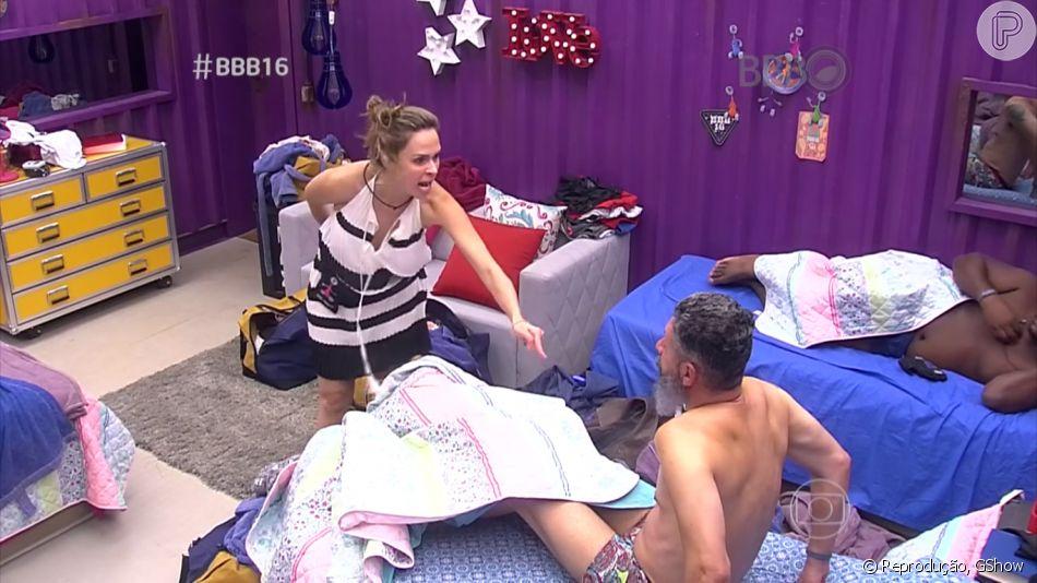 Ana Paula foi a sister mais incomodada com a postura de Laércio no 'BBB16' e reclamou do designer dormir usando somente cueca