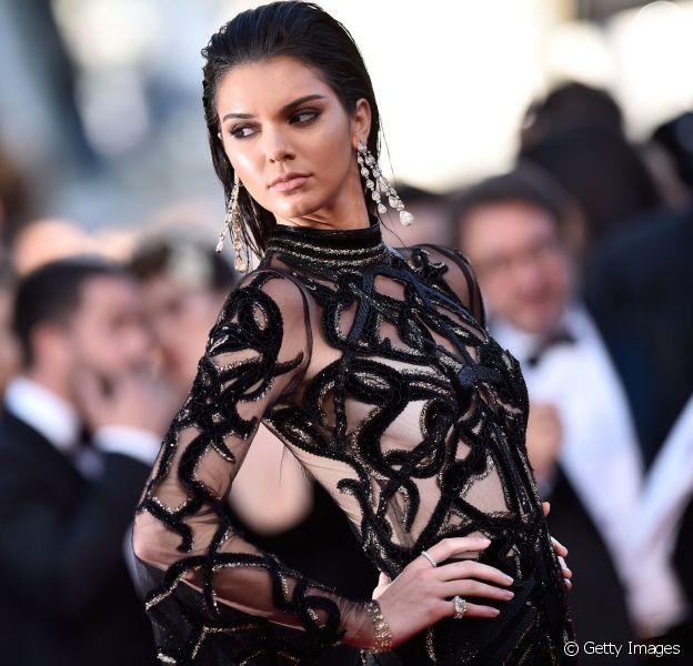 Kendall Jenner aposta em look supertransparente para prestigiar o Festival de Cannes no domingo, 15 de maio de 2016