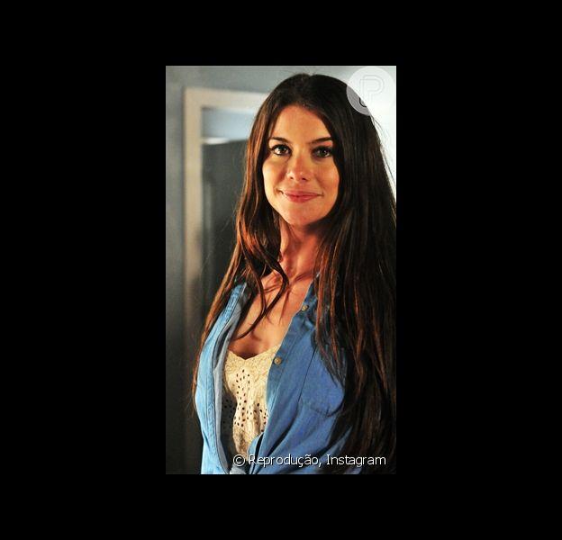 Alinne Moraes recebeu mensagens de vários fãs parabenizando sua gravidez