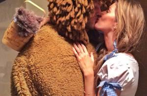 Gisele Bündchen beija Tom Brady em festa Halloween: 'Me divertindo com meu leão'
