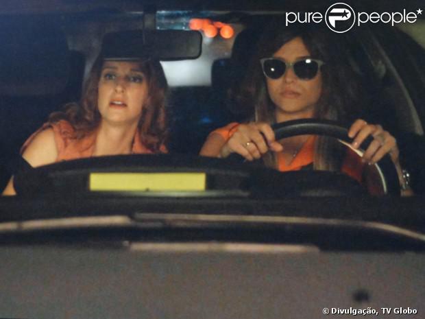 Lili (Juliana Paiva) e Priscila (Laila Zaid) seguem William (Thiago Rodrigues), em cena de 'Além do Horizonte', em 11 de novembro de 2013