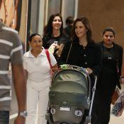 Guilhermina Guinle passeia com a filha, Minna, de 2 meses, em shopping no Rio