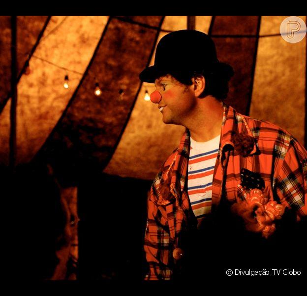 Selton Mello é visto em cena do filme 'O Palhaço', no qual foi o protagonista e o diretor; o longa-metragem deu muitos prêmios ao ator durante o ano de 2012