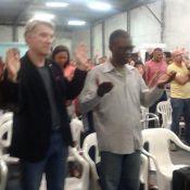 Eike Batista assiste culto evangélico na Assembleia de Deus: 'Aceitou Jesus'