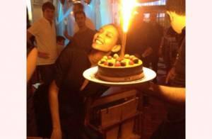 Taís Araújo comemora aniversário de 35 anos com bolo em São Paulo