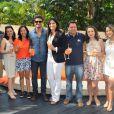 Cauã Reymond posa com organizadores da ação Aperol Spritz Summer Tour, no Hotel Tivoli, em São Paulo, neste sábado, 14 de dezembro de 2013