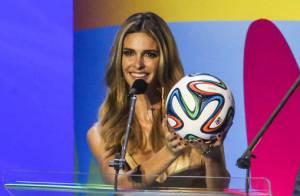 Sucesso no sorteio da Copa, Fernanda Lima deve ganhar novo programa na Globo