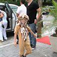 Noah, que é o filho primogênito de Danielle Winits, chegou à casa de festas