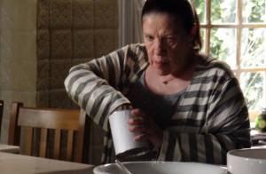 'Amor à Vida': Ciça desconfia e prova veneno que Aline dá para César