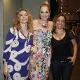 Cissa Guimarães e Maria Padilha marcam presença na estreia do monólogo 'Minimanual de Qualidade de Vida', com Alexandra Richter, no Teatro Leblon, Rio de Janeiro, em 3 de janeiro de 2013