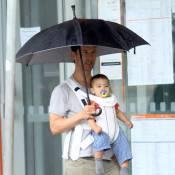 Matthew McConaughey faz passeio com o filho caçula nas ruas de Belo Horizonte