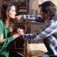 Leila (Fernanda Machado) surta quando Thales (Ricardo Tozzi) diz que vai abrir mão da herança para ficar com Natasha (Sophia Abrahão), em 'Amor à Vida'
