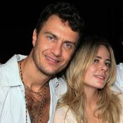 Gabriel Braga Nunes pede namorada em casamento após descoberta de gravidez